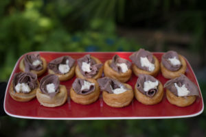 mini yourkshire pudding with beef and horeseradish canapes, Crawley, West Sussex, catering, cater parties, birthday party, wedding, celebration, unniversary, funeral buffet finger food exclusive posh wedding birthday canapes East sussex